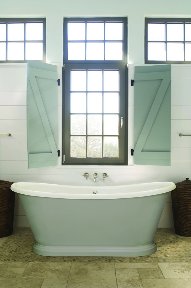 BC Designs Boat Acrylic Freestanding Bath